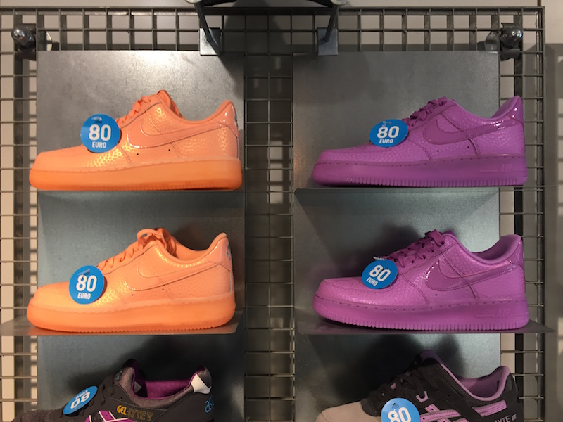 best sneakers 6a05d d2b76 ... nike air force 1 vrouwen paarse shirts ...