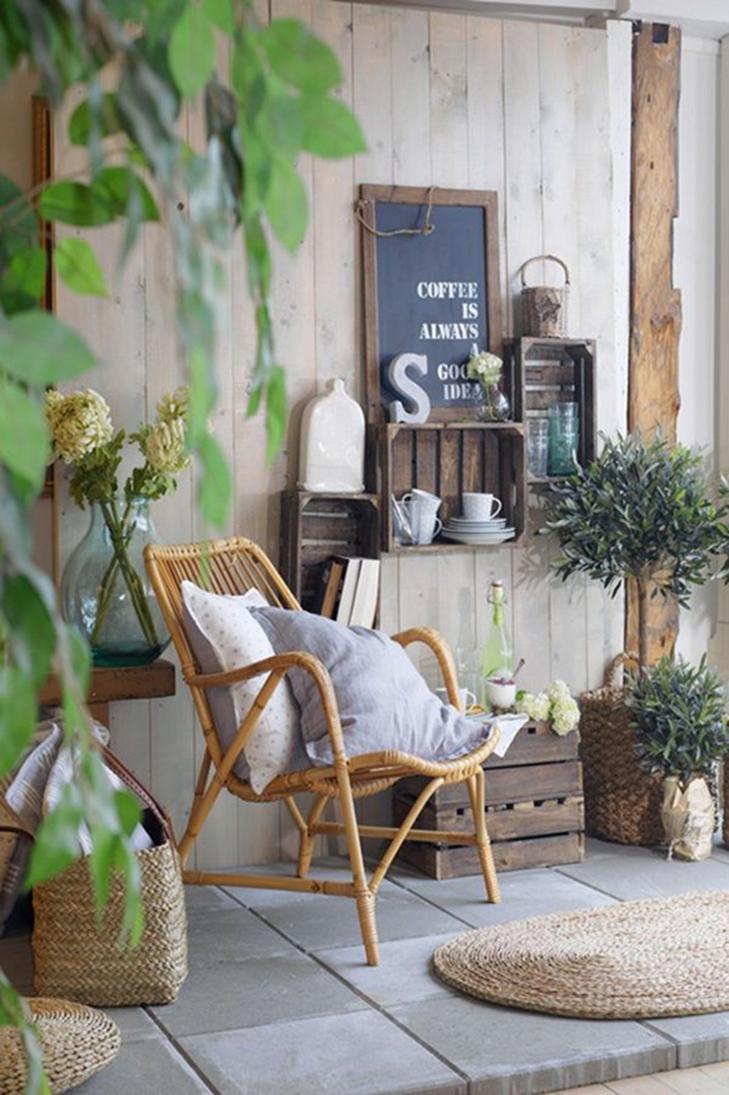 Genieten van de voordelen van kamperen (zoals rust, ruimte en natuur ...
