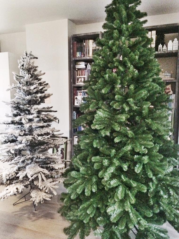 Kerstboom pronkt nu al in huis