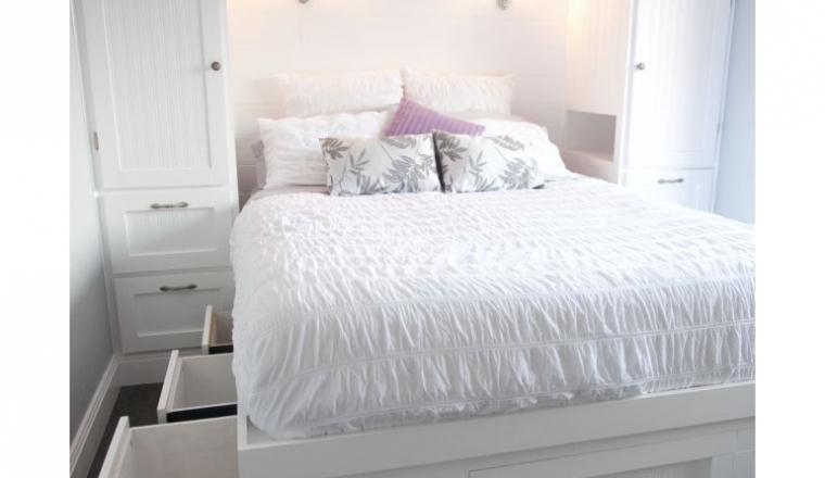 Kleine Slaapkamer Kledingkast : Tips voor een kleine slaapkamer interior junkie