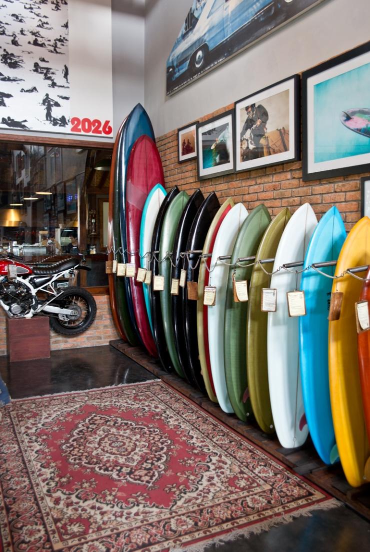 Chillen in de surfshack: Deus ex Machina