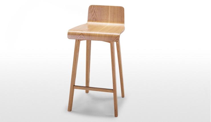 Woonvondst: hippe houten barkruk