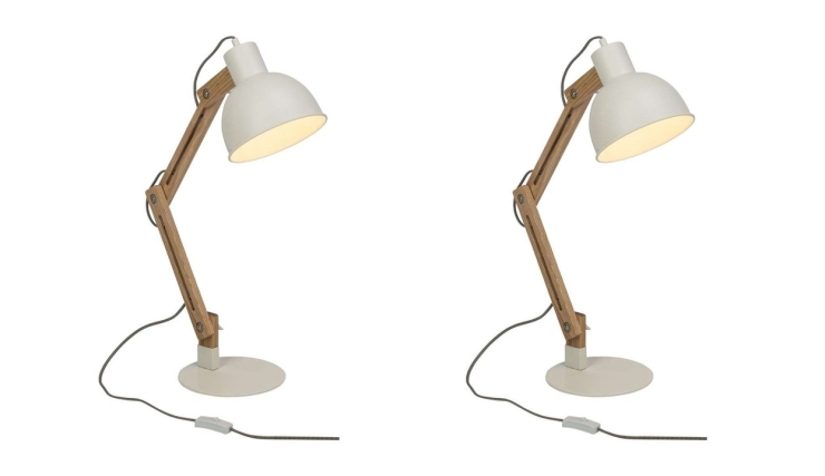 Woonvondst: stoere tafellamp van hout en metaal - INTERIOR JUNKIE