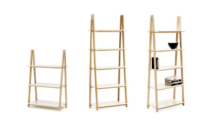 Hoe leuk is deze ladder met plankjes als open boekenkast