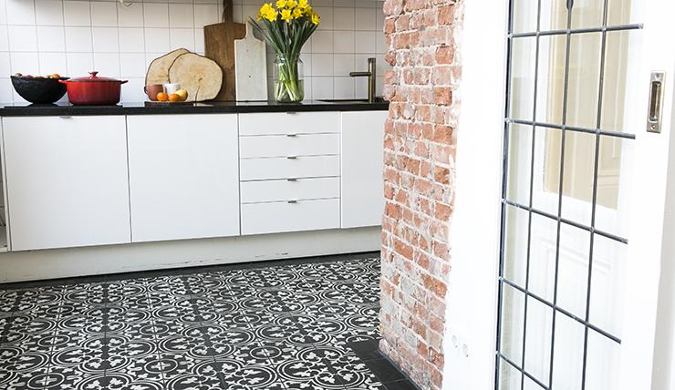 Tegels Keuken Honingraat : Kijk ze eens pronken portugese tegels in mijn keuken interior