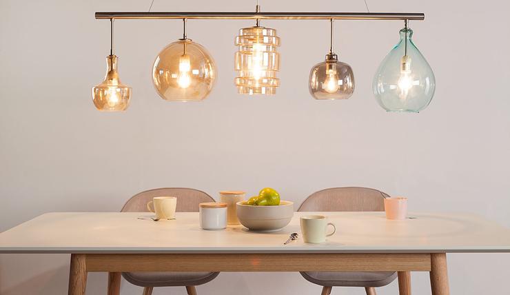 Hanglamp 5 Lampen : Deze hanglamp bestaat uit vijf verschillende lampen interior junkie