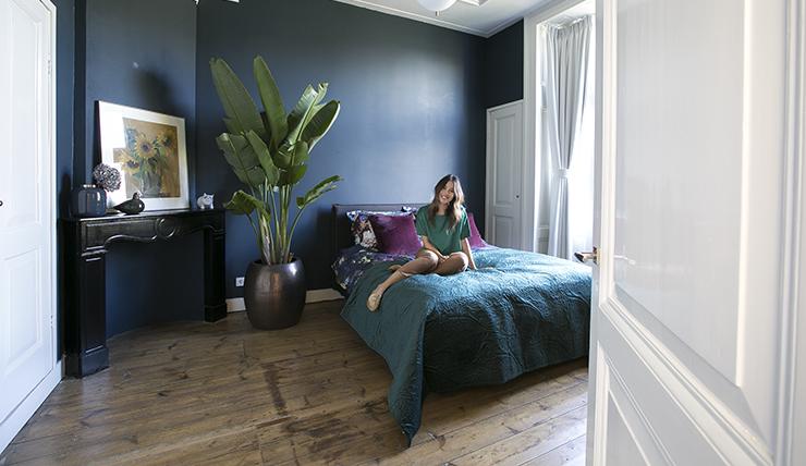 Blauwe Slaapkamer Lamp : Een kijkje in mijn nieuwe slaapkamer interior junkie