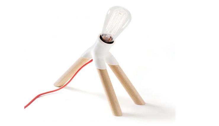 Customize deze tafellamp met spaghetti en pollepels
