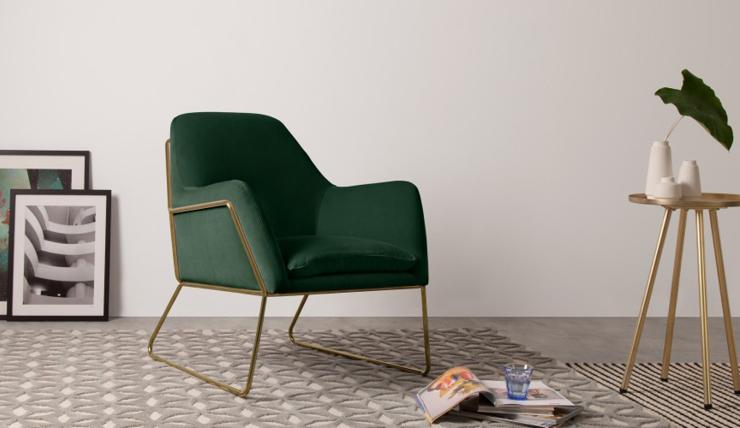 Zak weg in deze prachtige donkergroene fluwelen stoel for Groene stoel