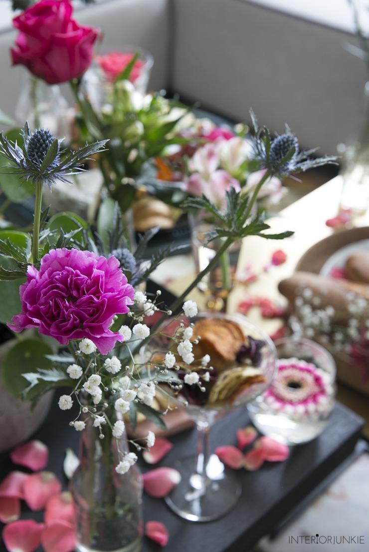 Mijn salontafel gestyled met bloemen: French Apéro style!