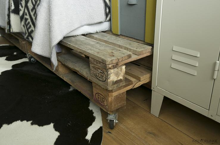 DIY: zo maak je een bed van pallets