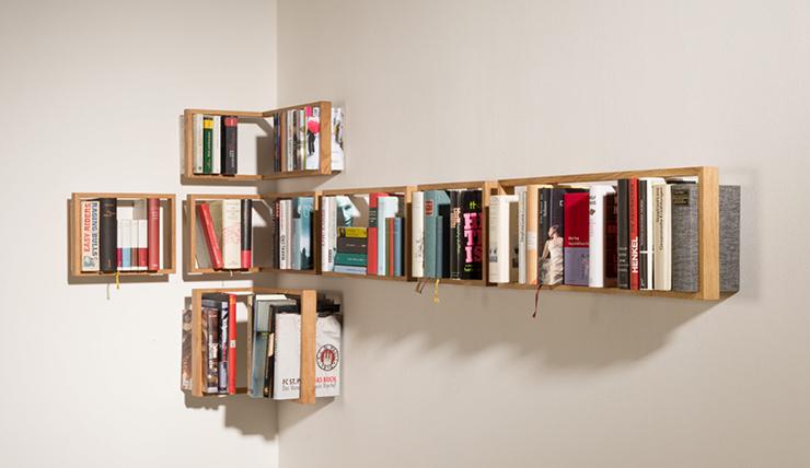 Boekenkast In Woonkamer : Een boekenkast als verborgen deur naar de slaapkamer