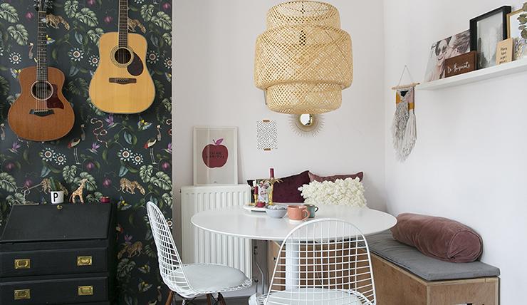 Eethoek In Woonkamer : Compacte woonkamer kies voor een ronde tafel interior junkie