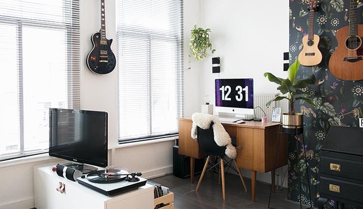 Werken in de woonkamer? Zo style jij je werkplek - INTERIOR JUNKIE