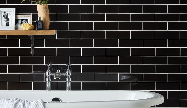 Badkamer Tegels Amsterdam : Badkamer inspiratie met deze donkere badkamers interior junkie
