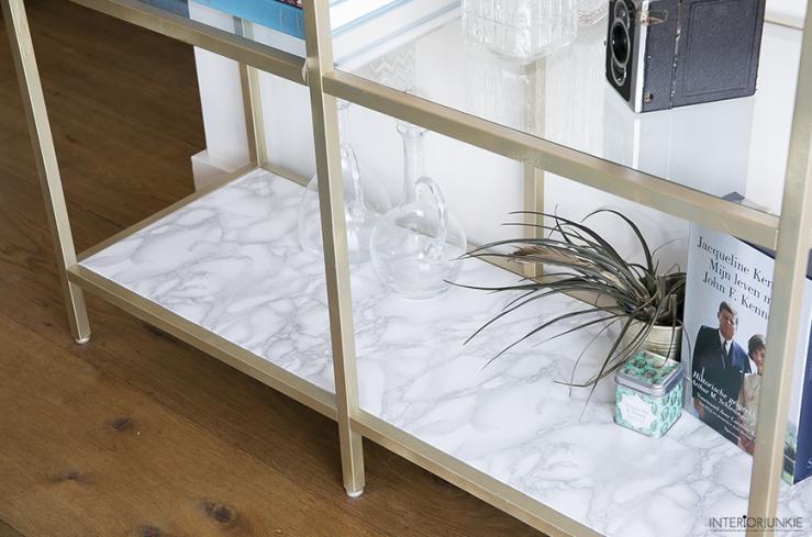 IKEA hack: maak een marmer look kast met gouden touch
