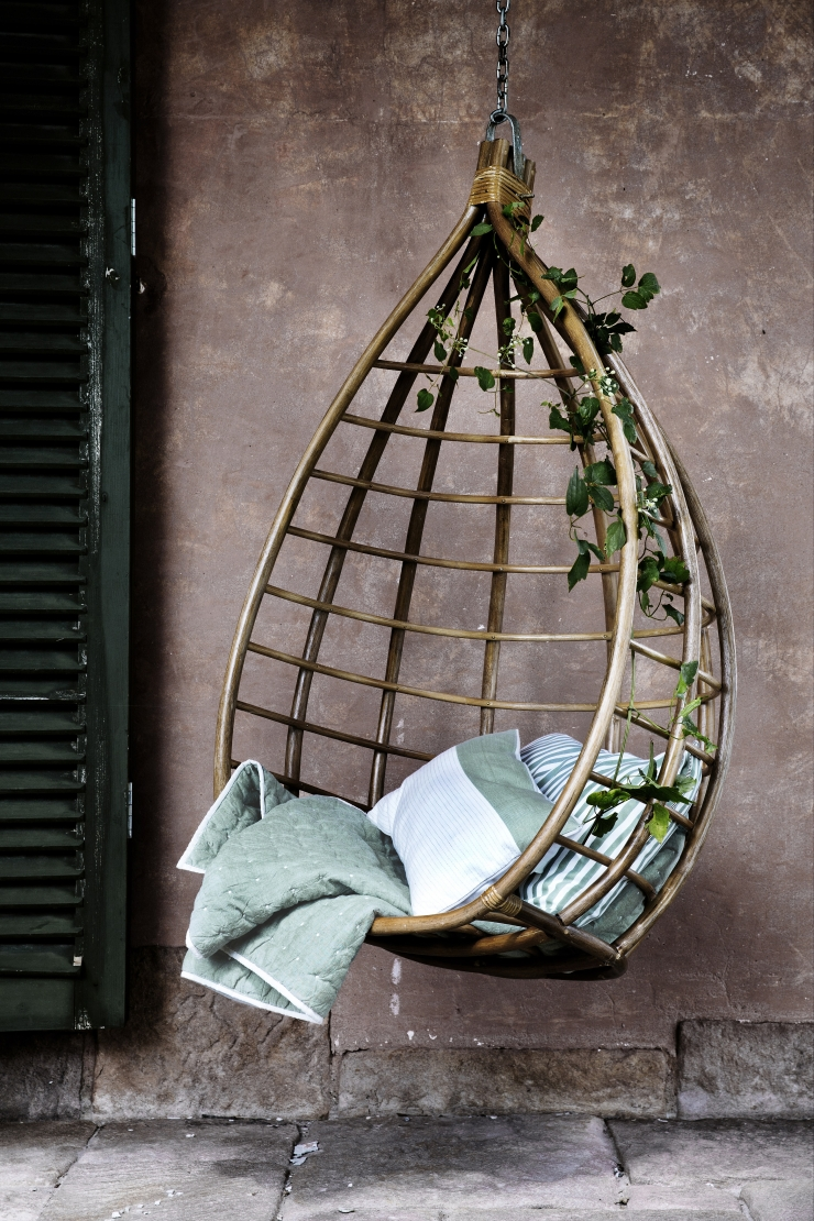 INDOOR - OUTDOOR RATTAN HANGING CHAIRS (teardrop)