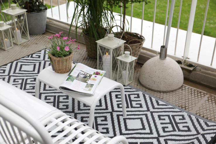 Monochrome Outdoor Rug Reversible