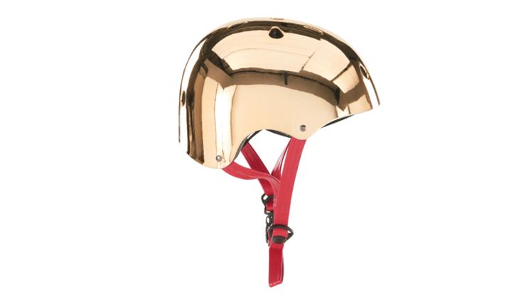 Hoe hip is deze gouden helm?!