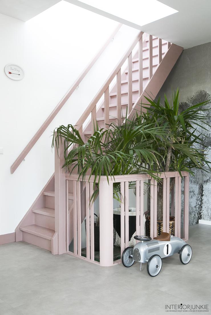 Doe eens gek en kies voor een roze trap