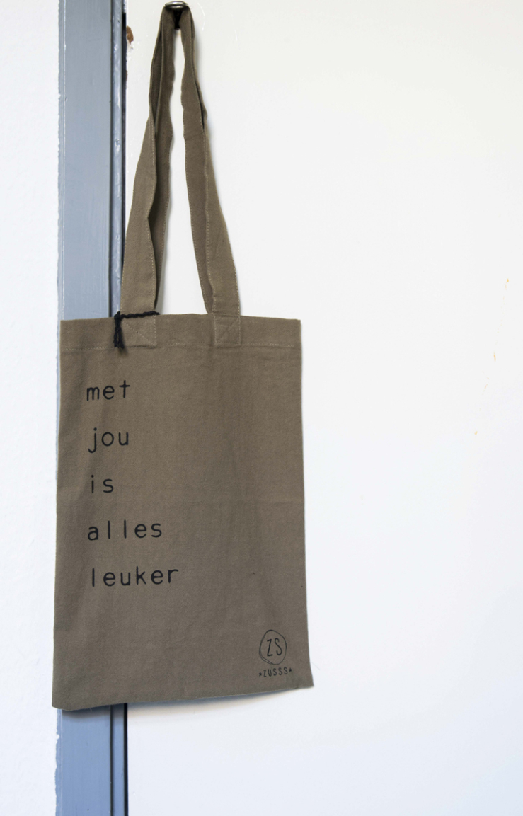 Deze tas is van Zusss.