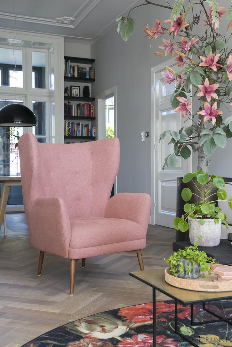Mijn nieuwe roze fauteuil: zo blij mee