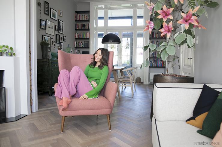 Roze Accessoires Woonkamer : Mijn nieuwe roze fauteuil zo blij mee interior junkie