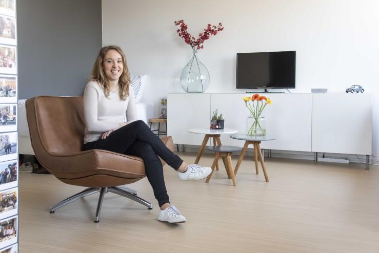 Modern en clean wonen - lisanne in de stoel