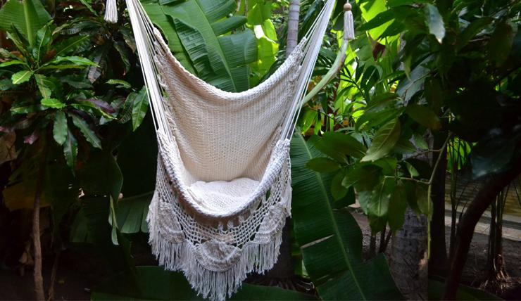 Hang Schommelstoel Tuin : Lekker hangen in een hangstoel