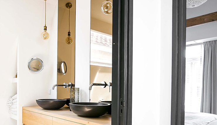 Glas Voor Badkamer : Kies eens voor in de badkamer gerookt glas interior junkie