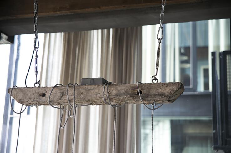 Fonkelnieuw Boomstam lamp voor boven je eethoek - INTERIOR JUNKIE RO-77