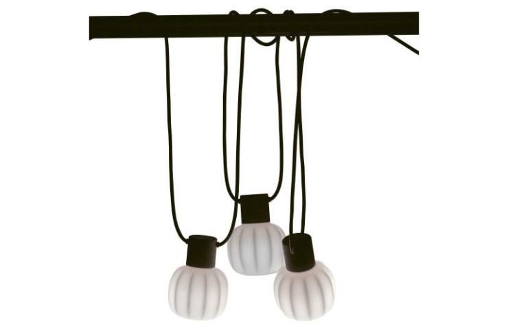 O zo romantisch: pimp je bed met lampjes