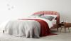 Woonfavorieten: roze fluwelen bed & zeer vrolijke hocker