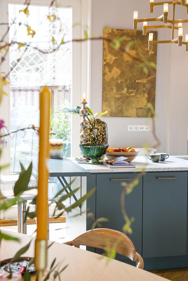 Doe eens gek en kies voor een blauwe keuken