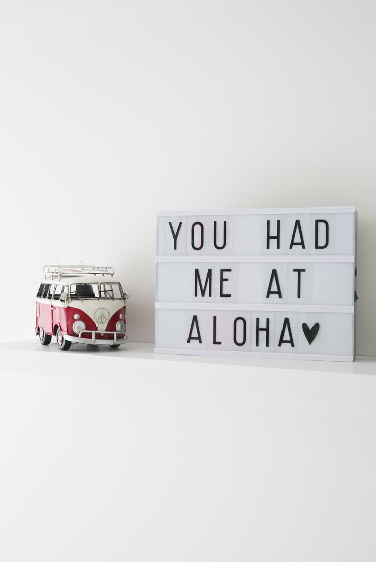 Binnenkijken in de Hawaii surf babykamer van Virginie