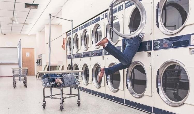 wasmachines-stinkend-wasgoed-Ryan-McGuire-free-stocksnap-C
