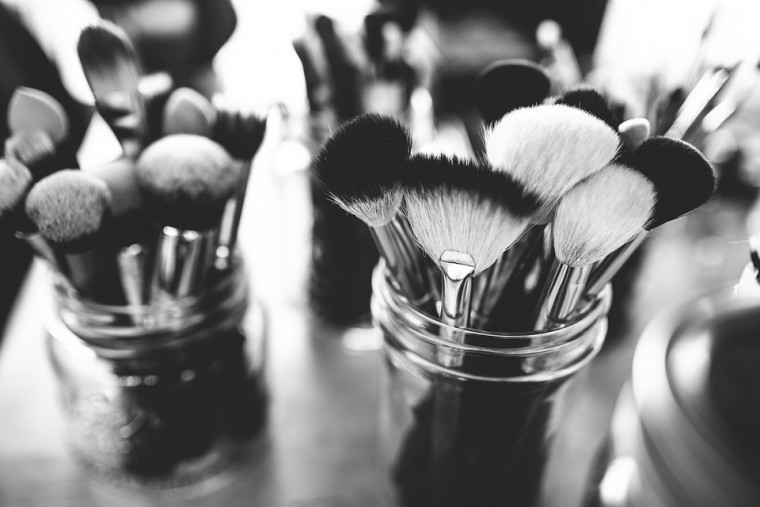 brushes-1837192_960_720
