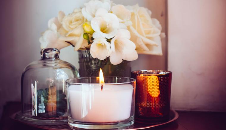 Kaarsjes In Huis : Redenen om altijd kaarsen te branden in huis damespraatjes