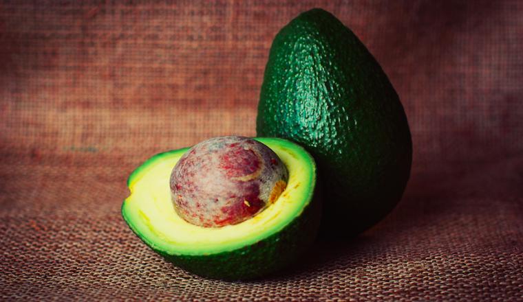 avocado pit weggooien