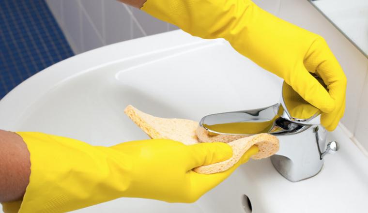 7 geniale schoonmaak tips voor de badkamer - Damespraatjes