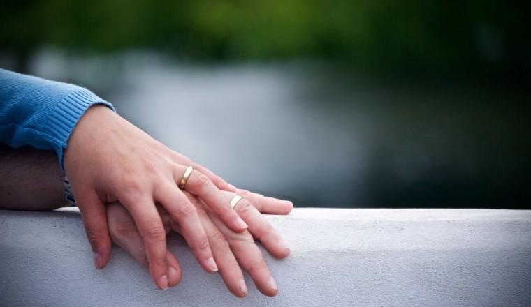 Ik heb regelmatig zin in seks, maar mijn man niet meer. Wat kan ik doen?