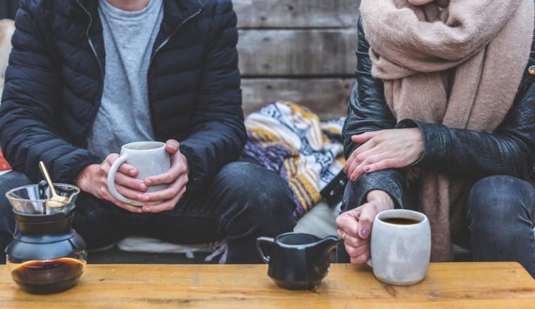 Mijn man kan niet over seks praten, maar ik wil dat wel. Hoe pak ik het aan?
