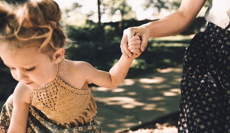 moeder-stiekem-gedrag-kind