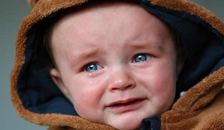 Brenda (29) laat haar baby 's nachts huilen omdat ze haar bed niet uit wil