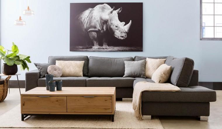 Paars Woonkamer Interieur : Hoe kan je met een paar kleine aanpassingen je woonkamer opfleuren