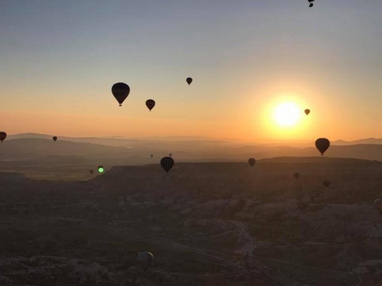 opkomende zon-ballonvaart