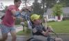 Man neemt gehandicapte broer mee tijdens al zijn Ironman triathlons
