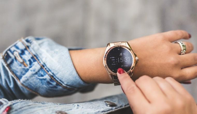 smartwatches-brandfield-vrouw