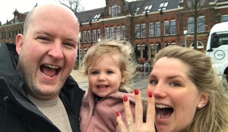 Mara gaat trouwen en is in de zevende hemel!