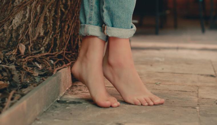 blootvoets-blote-voeten-lopen-altijd